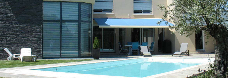Constructeur de piscines yvelines for Euro piscine