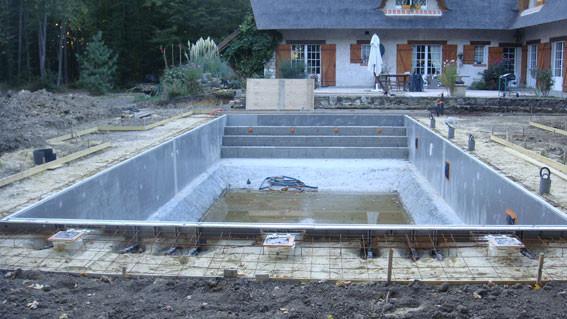Construction piscine yvelines aquadouce services for Construction piscine 04