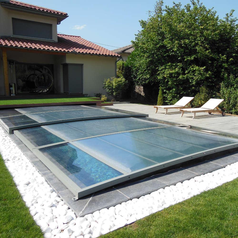 Constructeur de piscines yvelines for Local piscine semi enterree